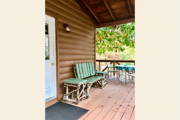 table rock lake hickory-hollow-resort-cabin-1-2019-5