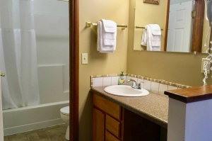 table-rock-lake-hickory-hollow-resort-cabin-11a-2019-1